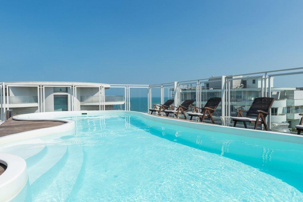 Perla Verde Hotel piscina